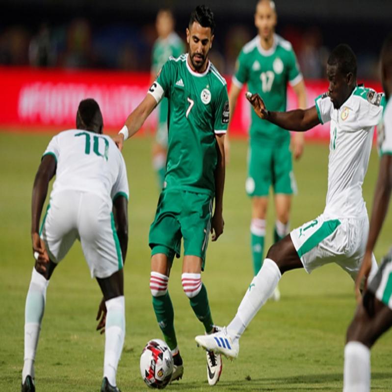 ماني أم محرز.. من يقود بلاده للتتويج بـ كأس الأمم الإفريقية؟