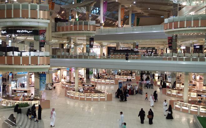 إليك البروتوكولات الوقائية البلدية الخاصة بالمحلات والمولات والمطاعم والمقاهي