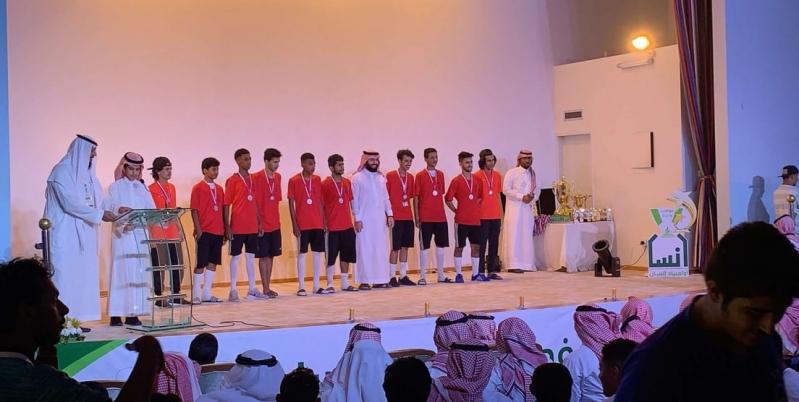 فريقا الشرق والجنوب يحصدان جوائز أولمبياد إنسان الخامس