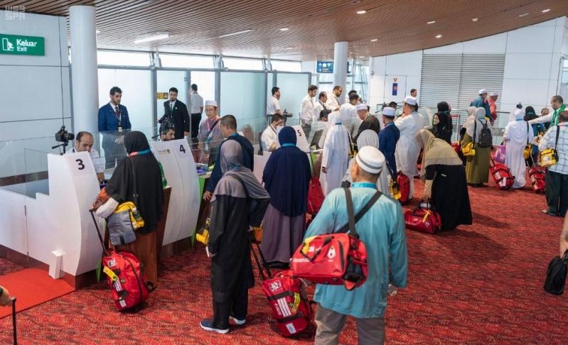 وصول الدفعة الثانية من الحجاج الإندونيسيين بمبادرة طريق مكة للمدينة المنورة