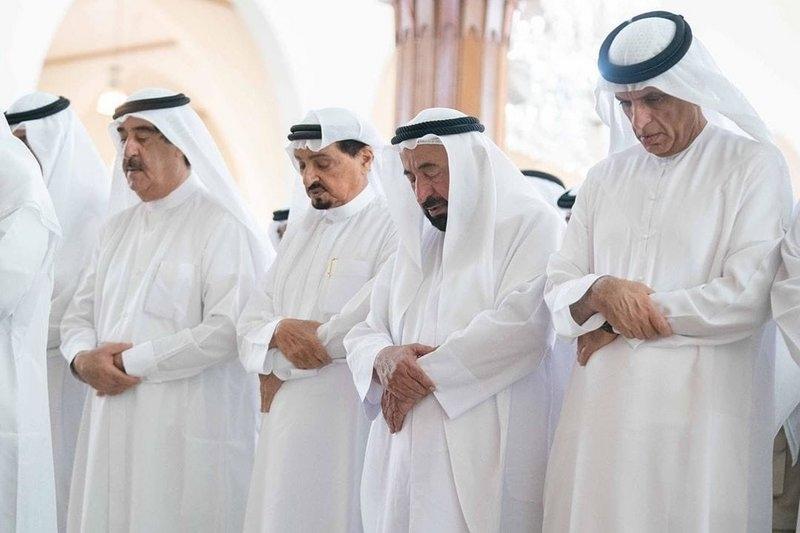 لقطات مؤثرة من تشييع خالد بن سلطان القاسمي إلى مثواه الأخير 3