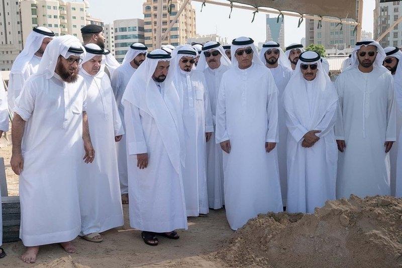 لقطات مؤثرة من تشييع خالد بن سلطان القاسمي إلى مثواه الأخير