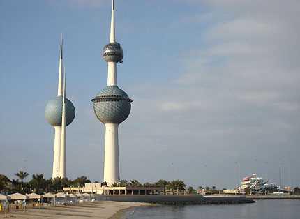إيقاف رئيس جهاز أمن الدولة الكويتي و7 ضباط بتهمة التنصت