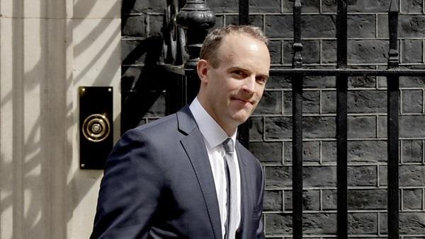 وزير خارجية بريطانيا : سنراجع صادراتنا الدفاعية لتركيا