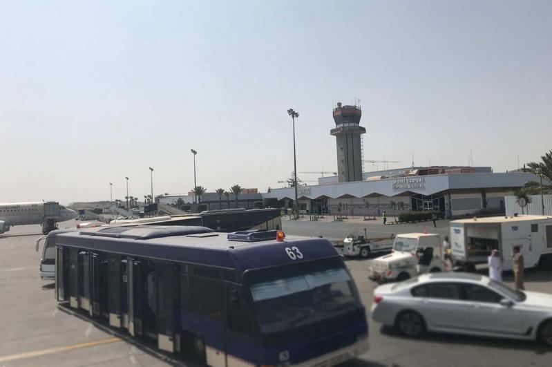 إصابة ٩ مدنيين في الهجوم الإرهابي الحوثي على مطار أبها الدولي