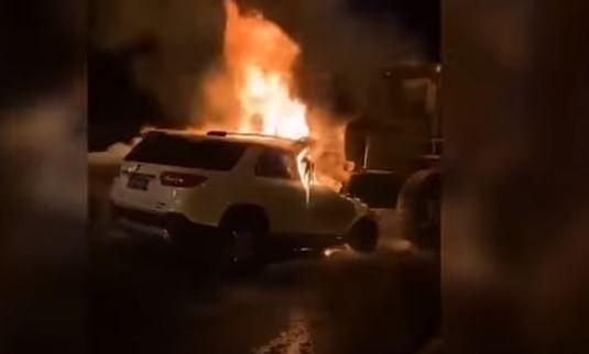 شاهد.. اصطدام عنيف يحرق مركبة ويقتل شخصين - المواطن