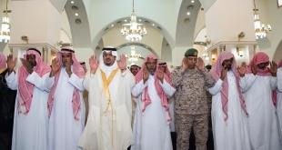 أمير الرياض بالنيابة ينقل تعازي القيادة لأسر الشهيدين الصيعري وشراحيلي