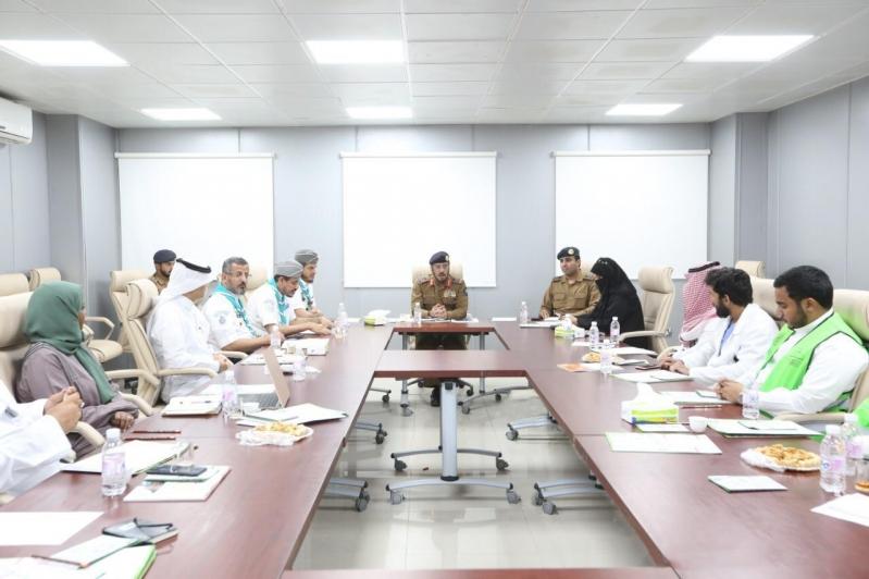 اللواء الفرج يناقش خطط الدفاع المدني في الحج