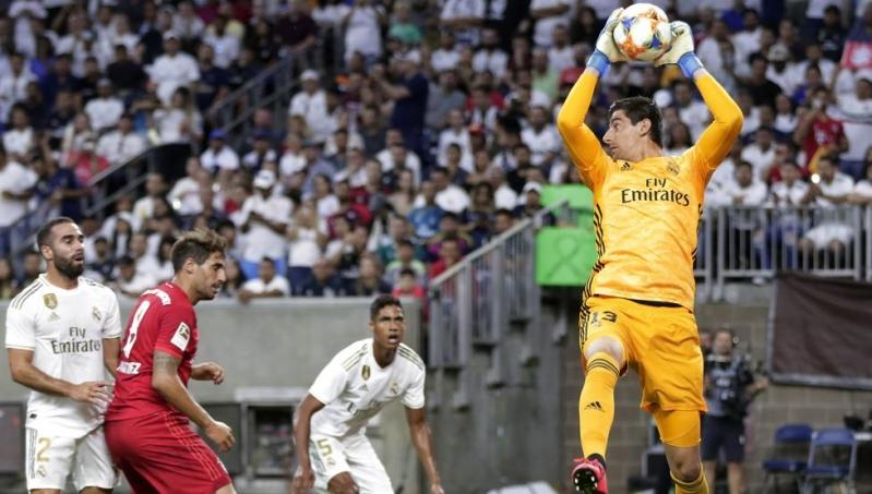 كورتوا: أنا الحارس الأول في ريال مدريد