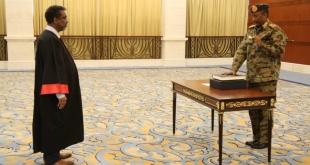 البرهان يؤدي اليمين رئيساً لمجلس السيادة السوداني