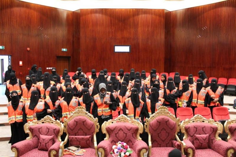 100 مشارك في ملتقى متطوعي الهلال الأحمر بموسم الطائف