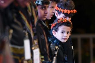مهرجان رجال الطيب يحاكي صناعة عصائب الورد - المواطن