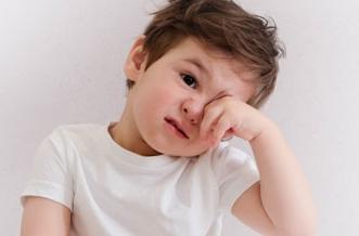 5 علامات تستوجب فحص عين الأطفال قبل الدراسة - المواطن