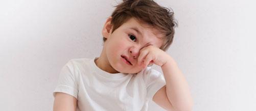 5 علامات تستوجب فحص عين الأطفال قبل الدراسة