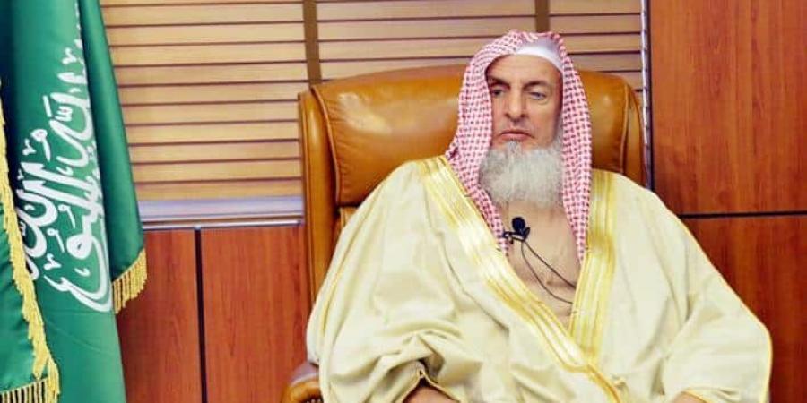 مفتي المملكة ينوه بصرف 500 ألف ريال لذوي المتوفى من القطاع الصحي بسبب كورونا