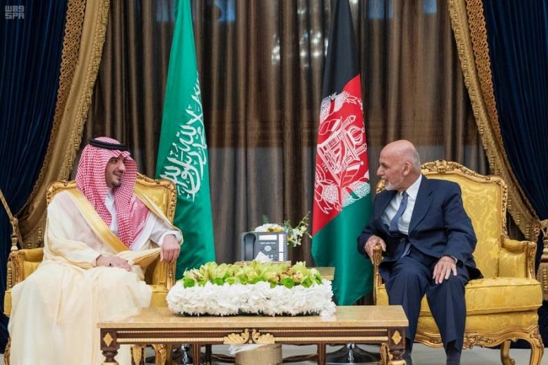 وزير الداخلية يستعرض التعاون الأمني مع الرئيس الأفغاني