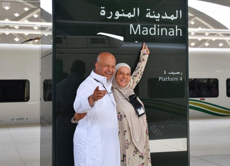 المدينة تستقبل أولى رحلات قطار الحرمين المخصصة لضيوف الرحمن قبل مغادرتهم