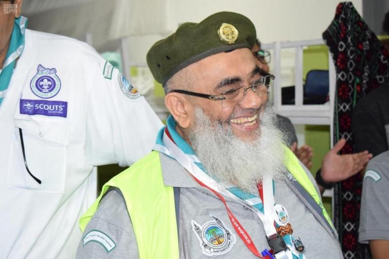 الرائد الكشفي ناصر الخليفي.. 40 عامًا في رعاية الأطفال التائهين