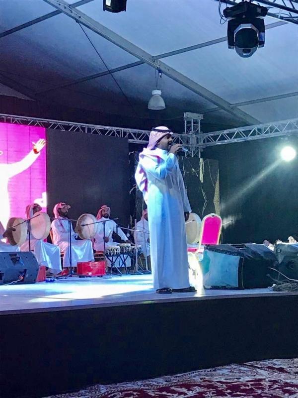 الطلاسي يمتع جمهور مسرح مهرجان قمر أبها