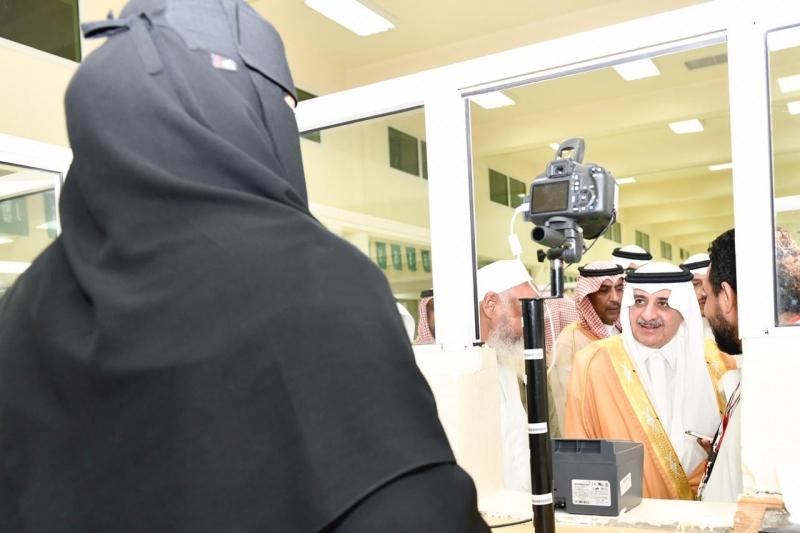 أمير تبوك للحجاج: أنتم في بلادكم وبين أهلكم والجميع هنا لخدمتكم - المواطن