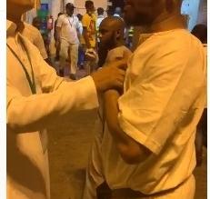 فيديو.. غضب حجاج إفريقيا لعدم توفر وجبات العشاء من المطوف - المواطن