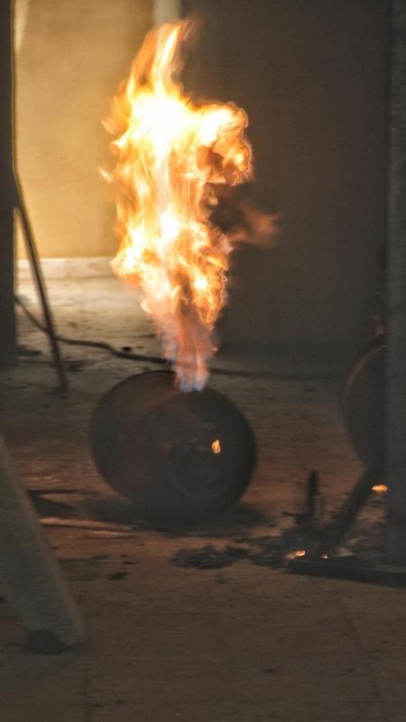 خطأ فادح يشعل حريقاً بمنزل في حائل