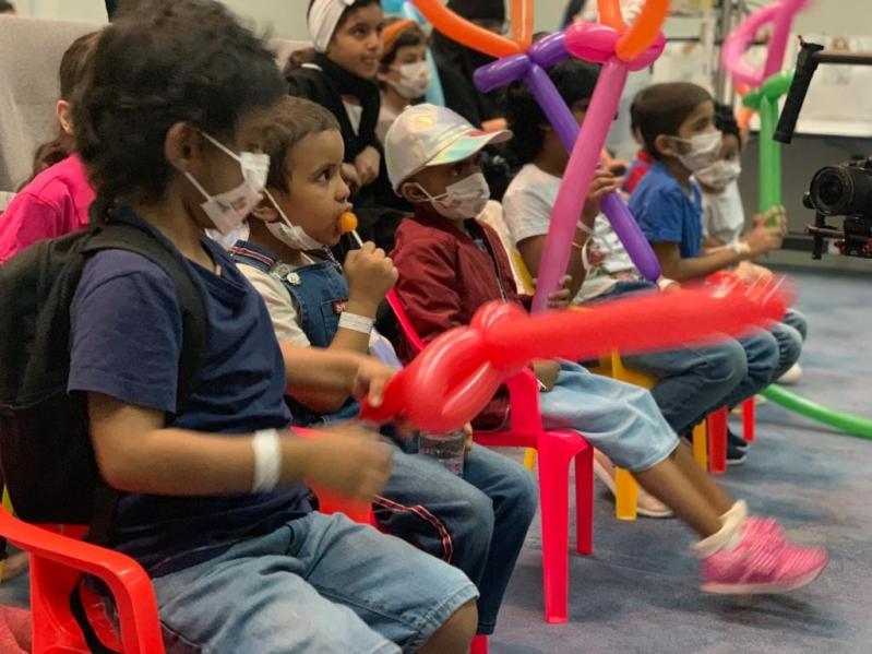 الكهرباء في حضرة 147 طفلًا شجاعًا يحاربون السرطان