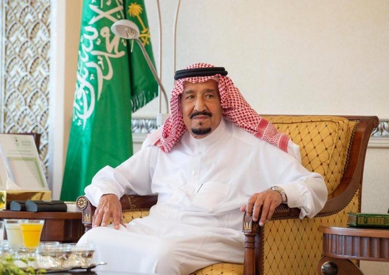أمر ملكي بالموافقة على منح عدد من منسوبي وزارة الداخلية وسام الملك فيصل