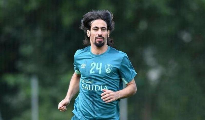 حسين عبدالغني يُعلن رسميًا اعتزاله كرة القدم