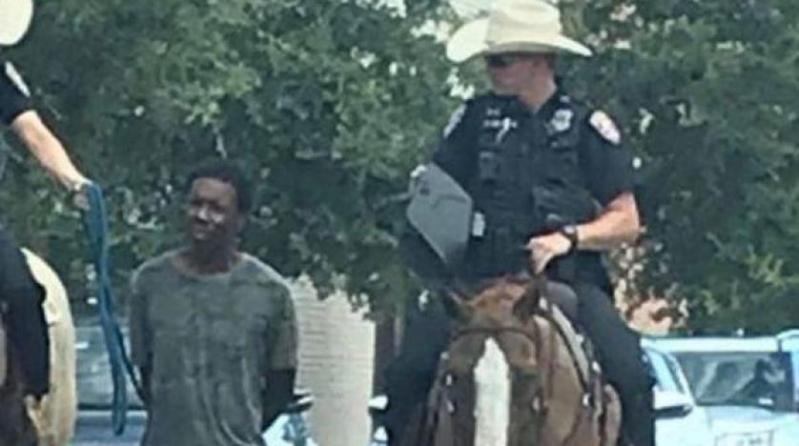غضب عارم في أمريكا بعد اقتياد الشرطة لرجل أسمر بحبل