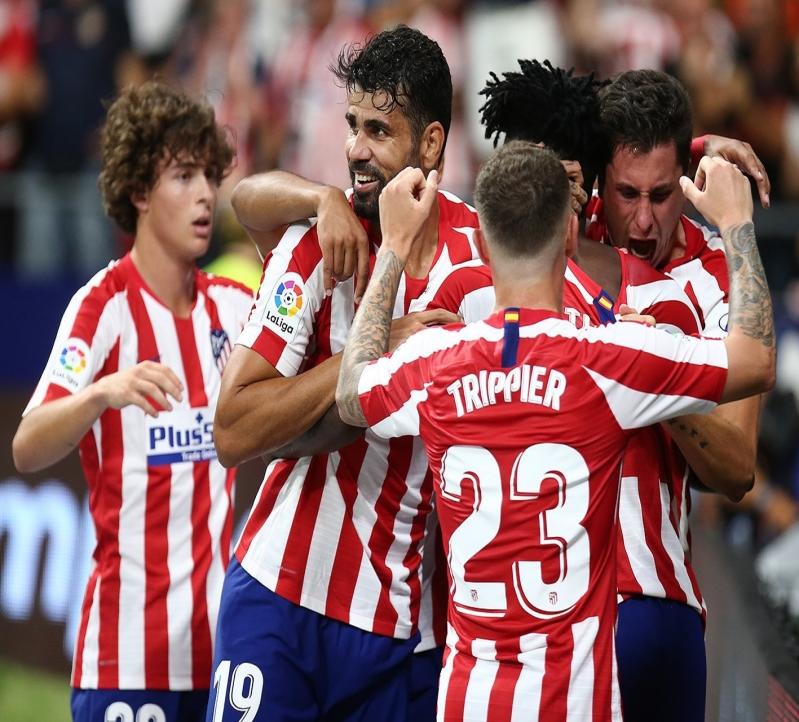 أتلتيكو مدريد يقلب الطاولة ويفوز على إيبار بثلاثية
