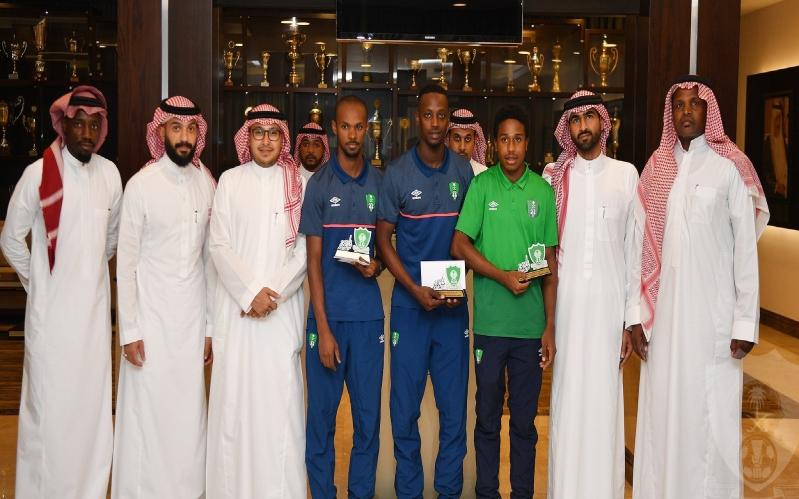 الصائغ يكرم أبطال المنتخب السعودي لألعاب القوى