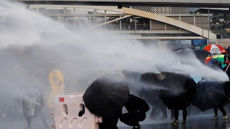الغاز المسيل للدموع يواجه المولوتوف في احتجاجات هونغ كونغ!