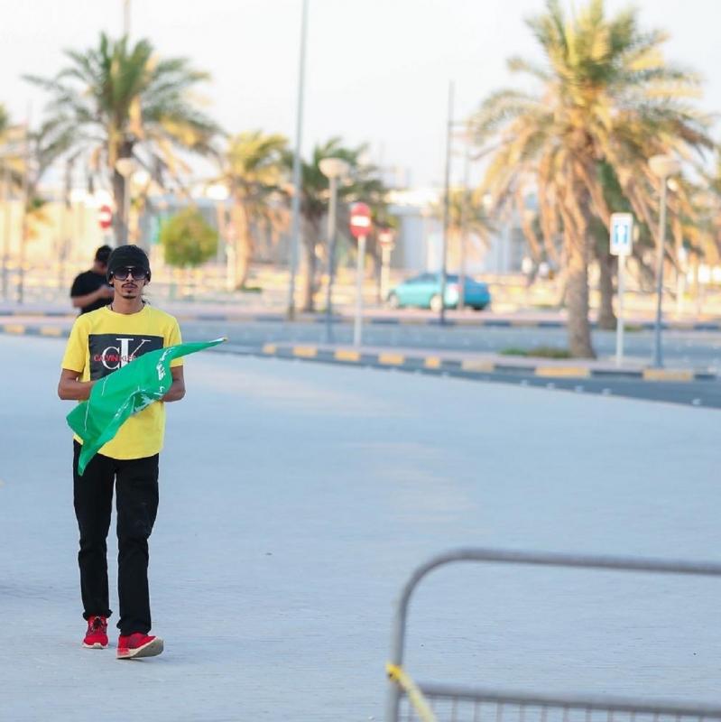 صور.. جماهير الأخضر تتوافد إلى استاد البحرين - المواطن