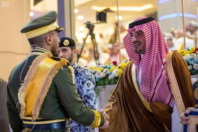 شاهد الصور.. وزير الداخلية يزف 1872 خريجاً من كلية الملك فهد الأمنية