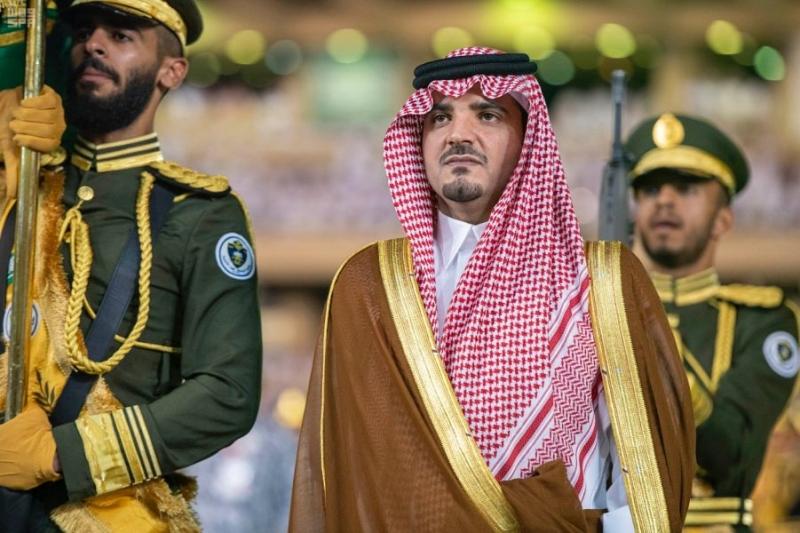 شاهد الصور.. وزير الداخلية يزف 1872 خريجاً من كلية الملك فهد الأمنية - المواطن