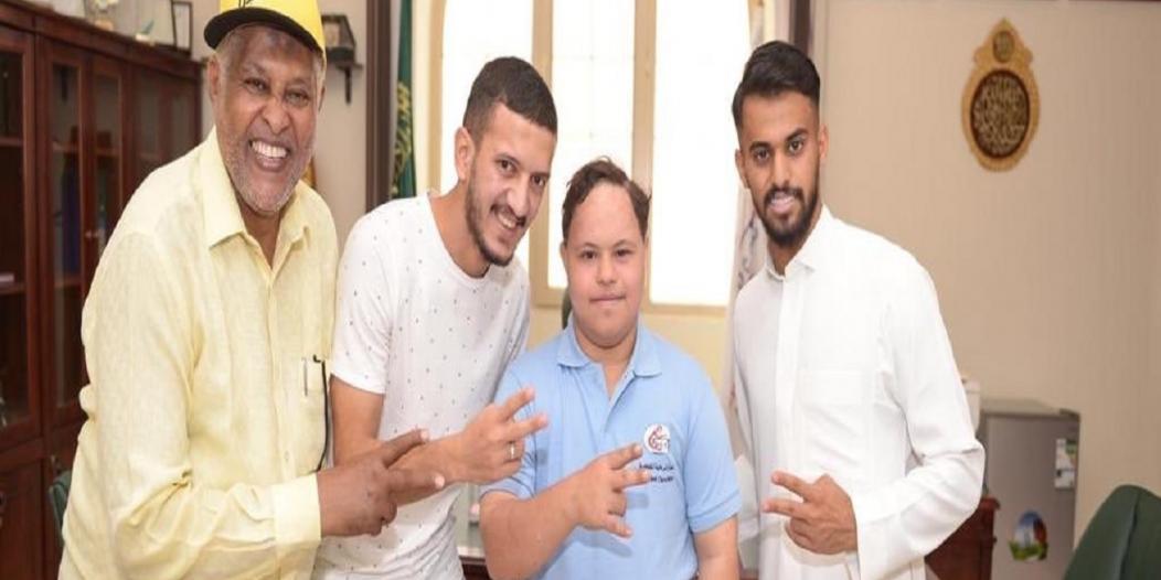 صور.. طارق عبدالله والمالكي يزوران مركز الرعاية المتطورة