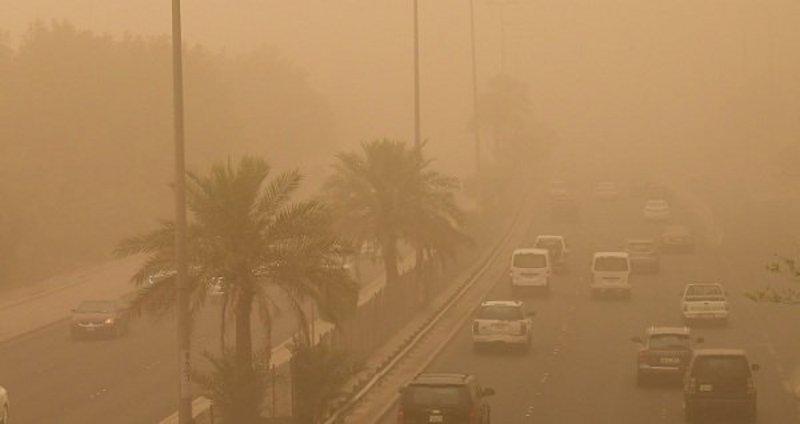 غيوم وغبار يحد الرؤية على هذه المناطق