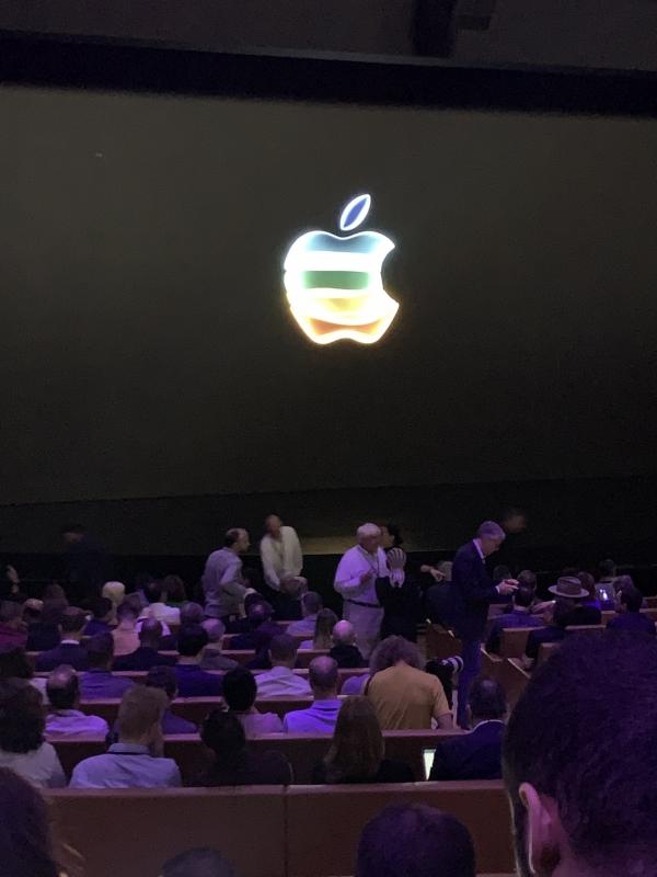 بث مباشر لـ AppleEvent للإعلان عن المنتجات والخدمات الجديدة