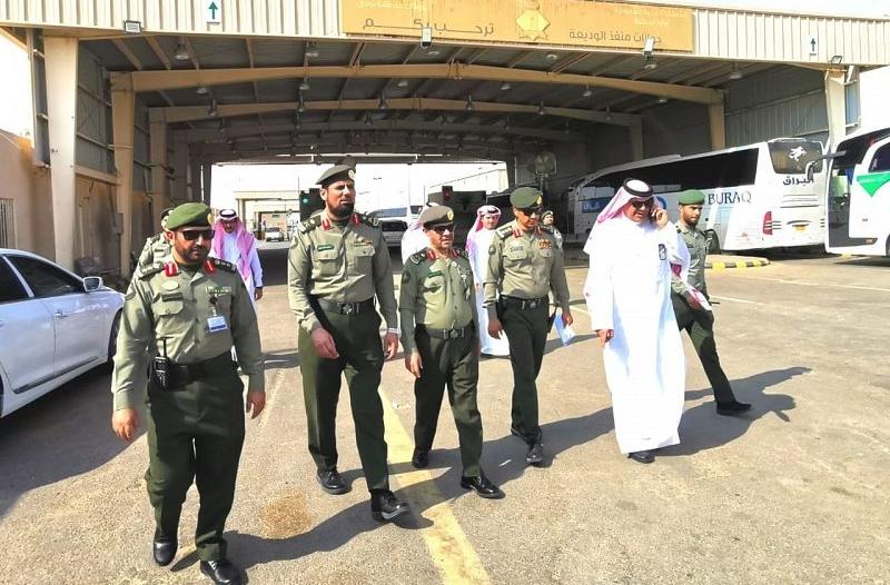اللواء المقبل يتفقد منافذ ومطارات جوازات نجران