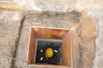 انهيار جدار خزان أرضي يحتجز عاملًا في بلقرن
