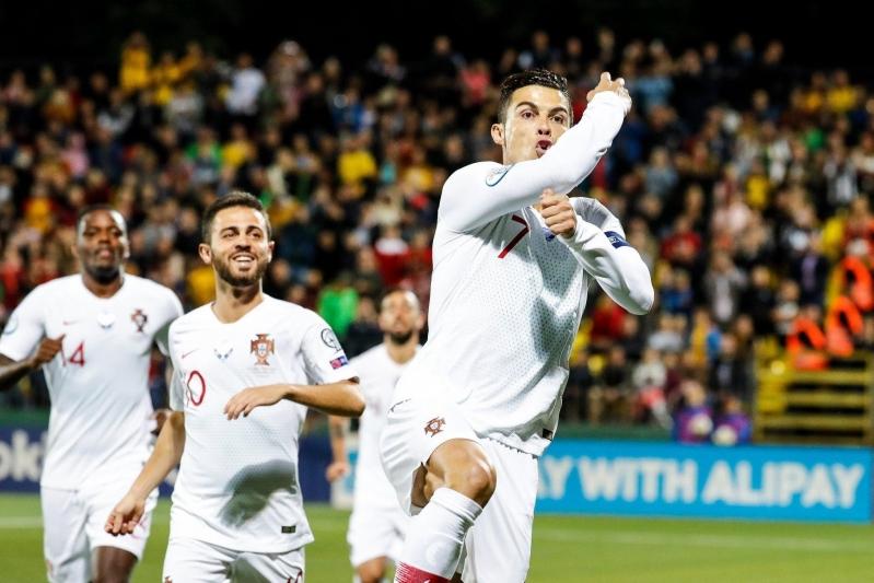 رونالدو يُعزز رقمه الاستثنائي مع منتخب البرتغال