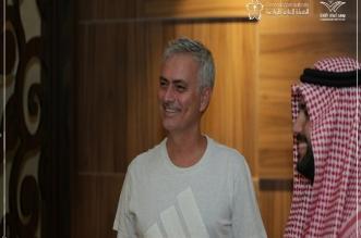 صور.. مورينيو يصل جدة - المواطن
