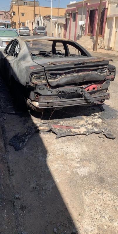 لقطات صادمة لحرق سيارة مهندسة ديكور في تبوك والشرطة تحقق