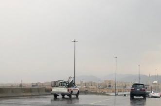تنبيه لقائدي المركبات من أمطار غزيرة على طريق الطائف - الرياض - المواطن