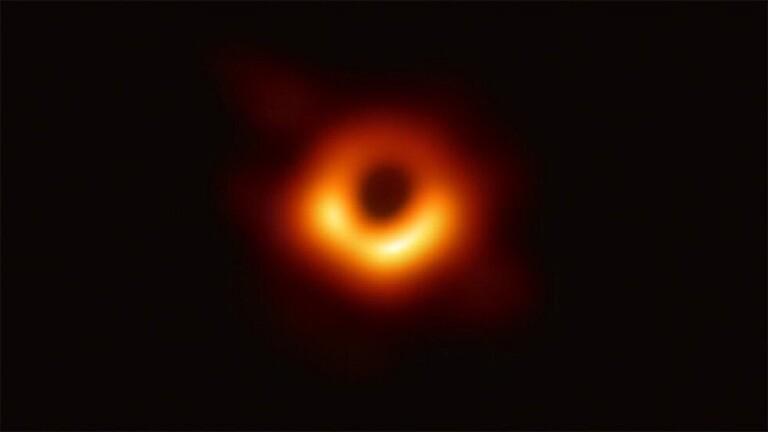 ناسا تكشف عن تصور جديد مذهل للثقوب السوداء
