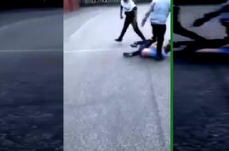 فيديو.. لحظة اعتداء طالبين على آخر بطريقة وحشية - المواطن