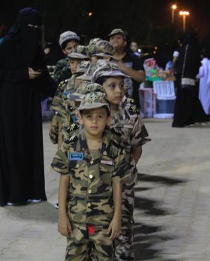 مسيرة للأطفال بالزي العسكري ومسابقات و300 هدية باحتفالات بارق