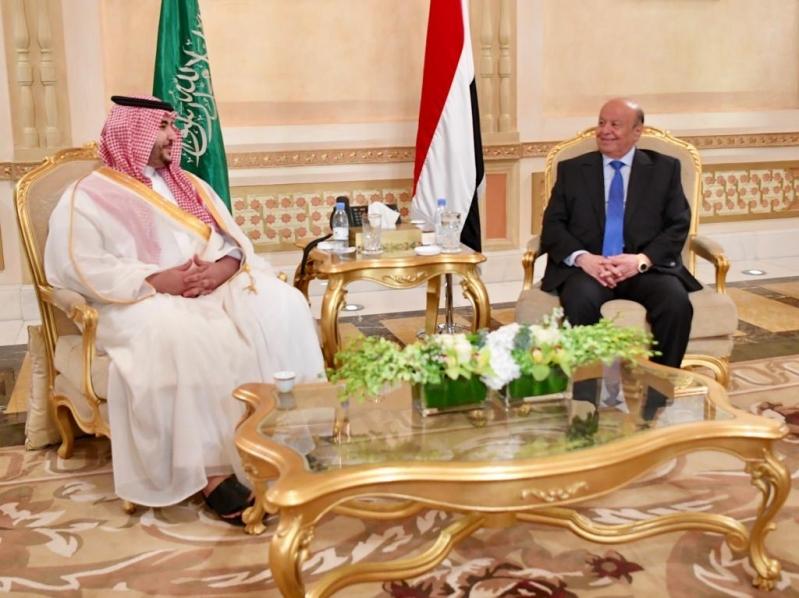 بتوجيه محمد بن سلمان .. نائب وزير الدفاع يلتقي الرئيس اليمني