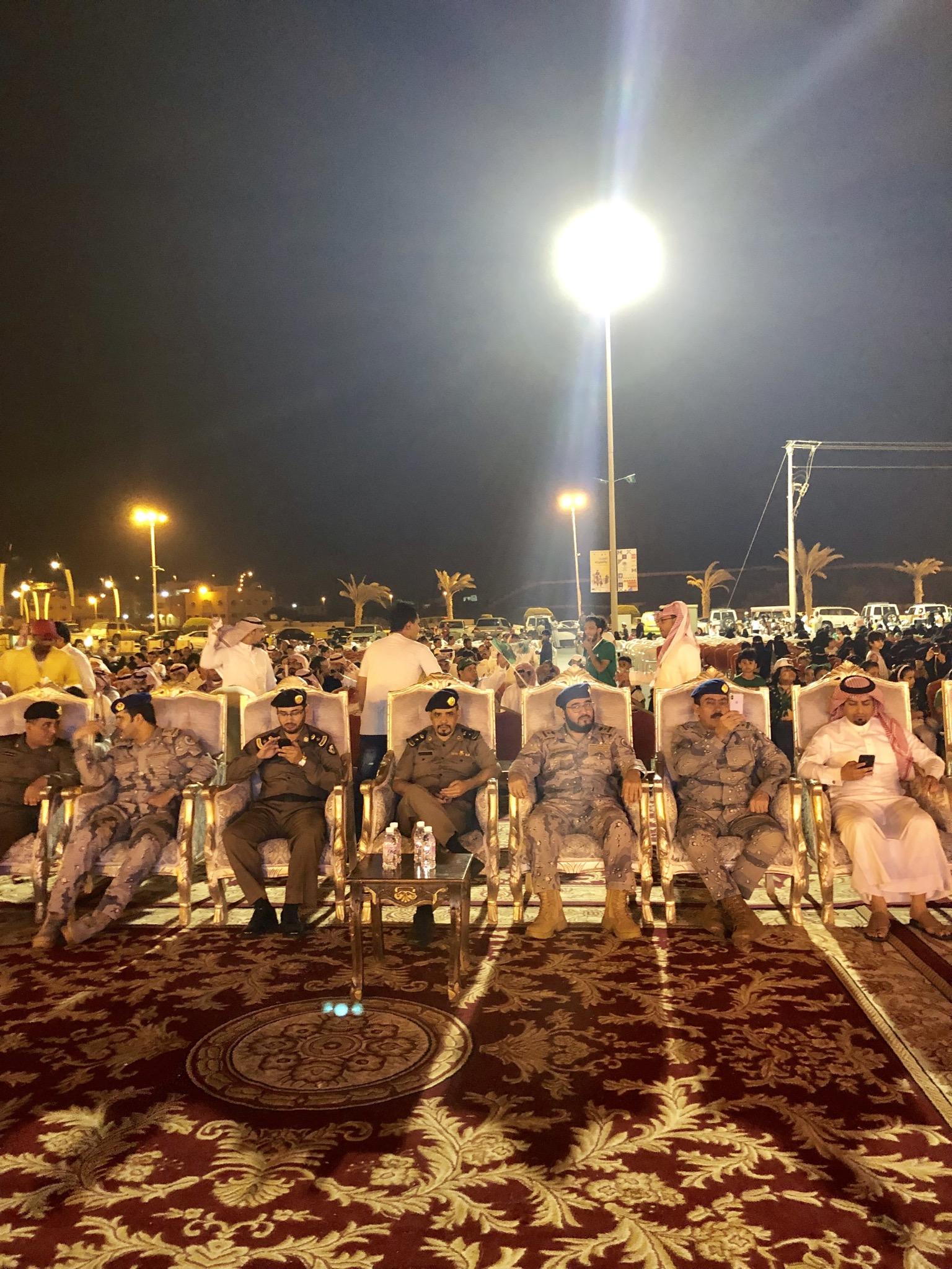"""""""المواطن"""" في احتفالات البرك.. أشعار وهدايا وسماء مضيئة بألوان الوطن - المواطن"""